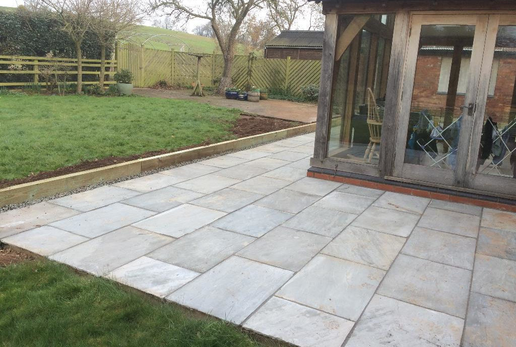 Banbury Roofing and Paving - Grey Slab Patio with Timber Sleepers