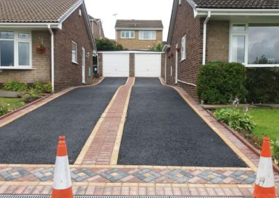 Banbury Roofing and Paving - matching Tarmac Driveways with Block Edging,